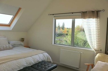 Room two in The Apartment at Dusky Ridges Farm stay Bed and Breakfast Te Anau